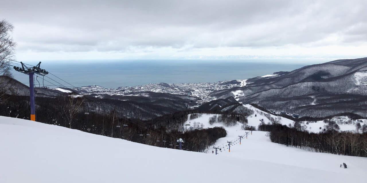 朝里川温泉スキー場からの景色