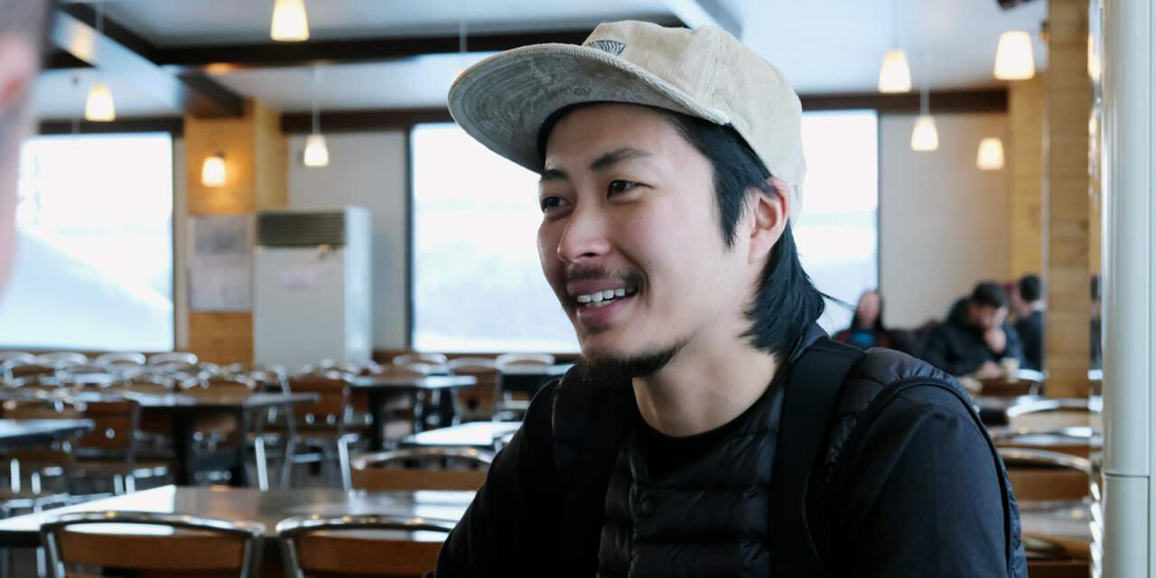 インタビューに答える岡本佑斗くん
