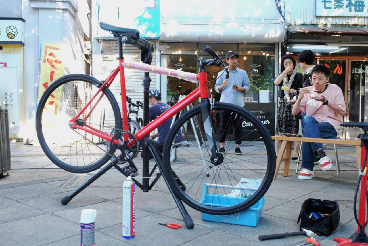 CONTAINER × MOJANE 出張自転車整備