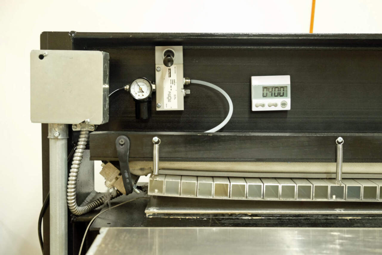 OFSR 工場 ボードをプレスする機械