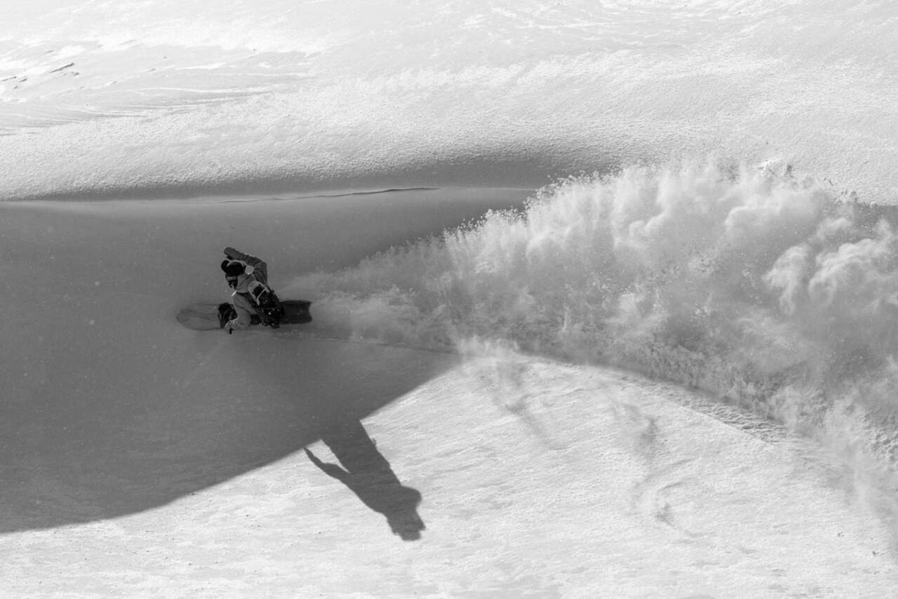 Jake McCarthy offshore snowshapes