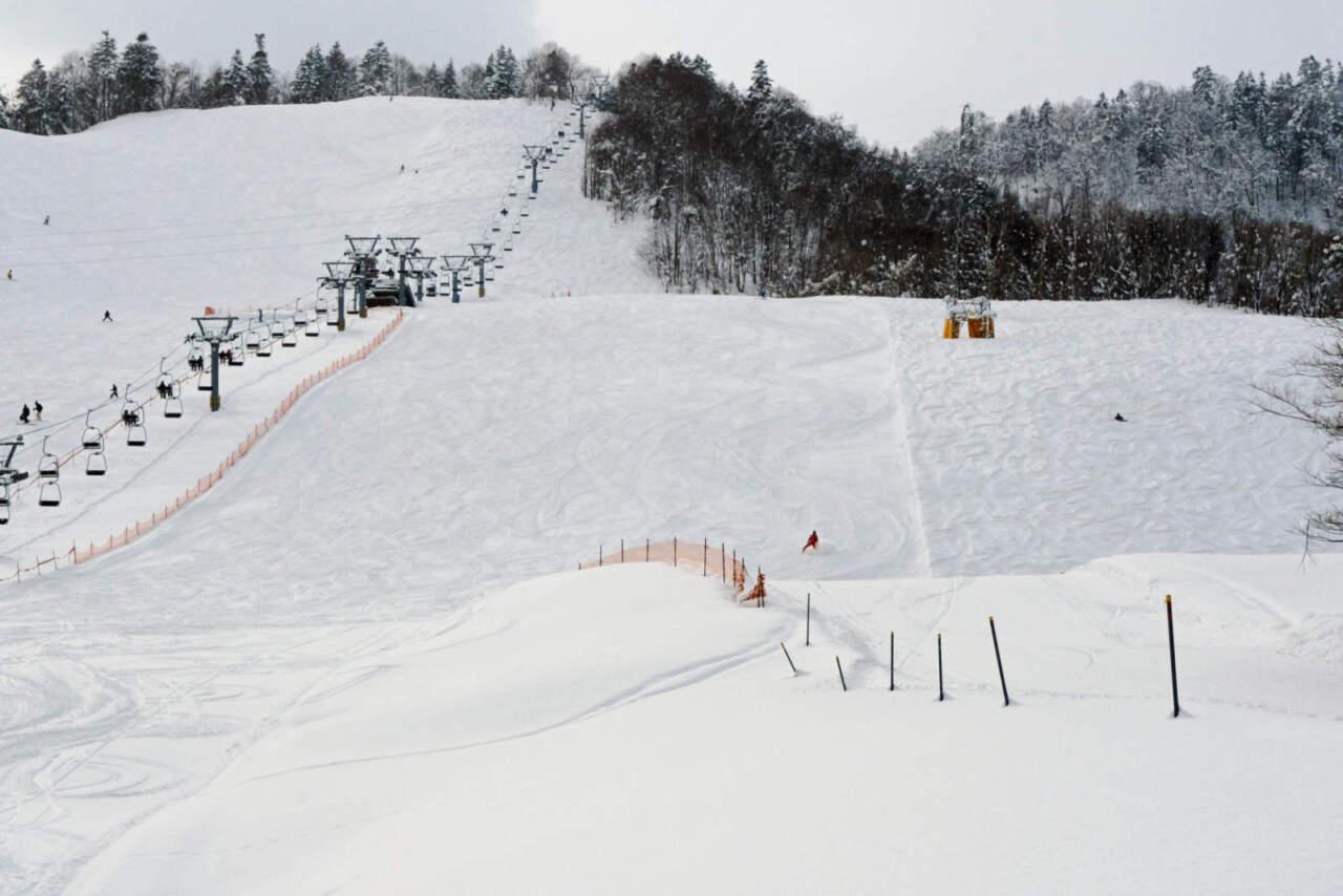 桂沢国設スキー場|中・上級コース(赤)