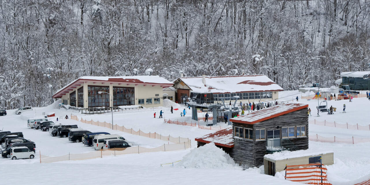 桂沢国設スキー場|センターハウス