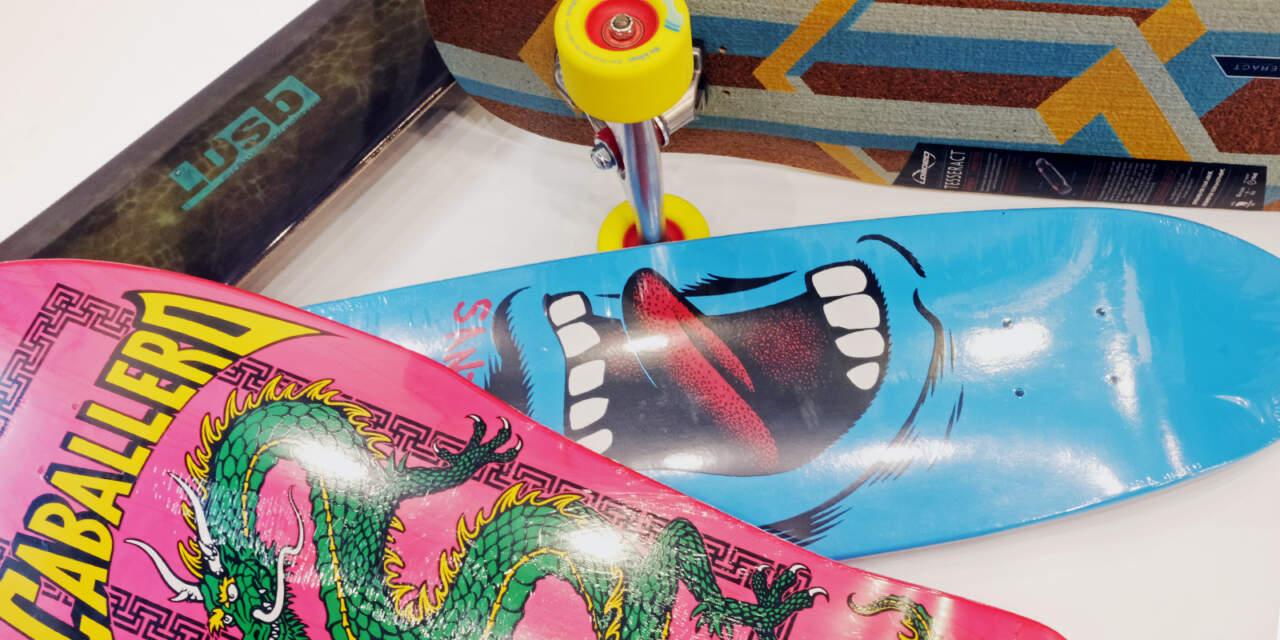 スケートボードのデッキ