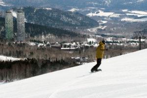 3月下旬が狙い目、春のトマム スキー場が面白い!|トマム・マ