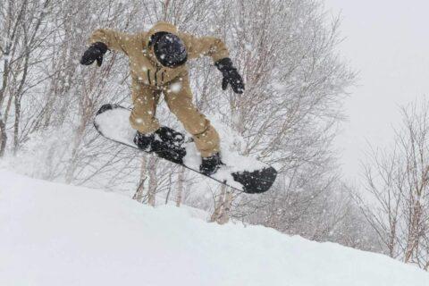 SEASON  Eqpt|スノーボーダーとスキーヤーが共同開
