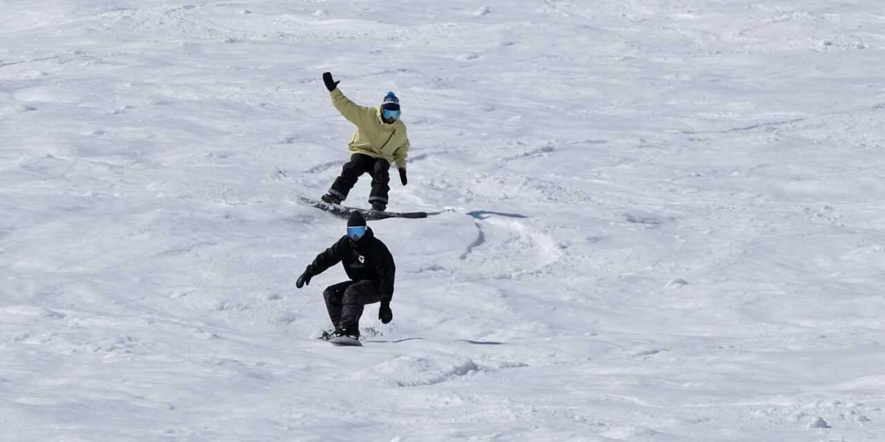 ほろたちスキー場をLIBTECHで滑る